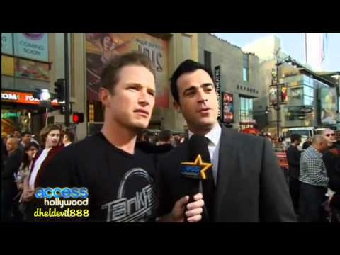 Justin Theroux talks about Jennifer Aniston at the Rock of Ages Premiere (Video) + Read more about the Justin Theroux Jennifer Aniston engagement at LYXK.com