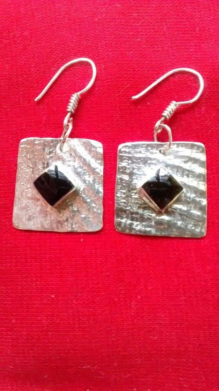 Aros de plata rústicos con piedra obsidiana