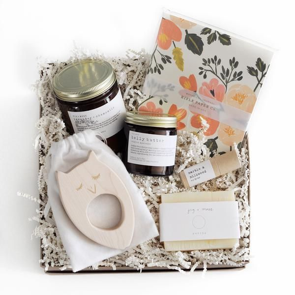Shower a new Mom (or yourself) with some love! This Homecoming Gift Box is filled with luxurious products aimed at pampering and helping her focus on some much