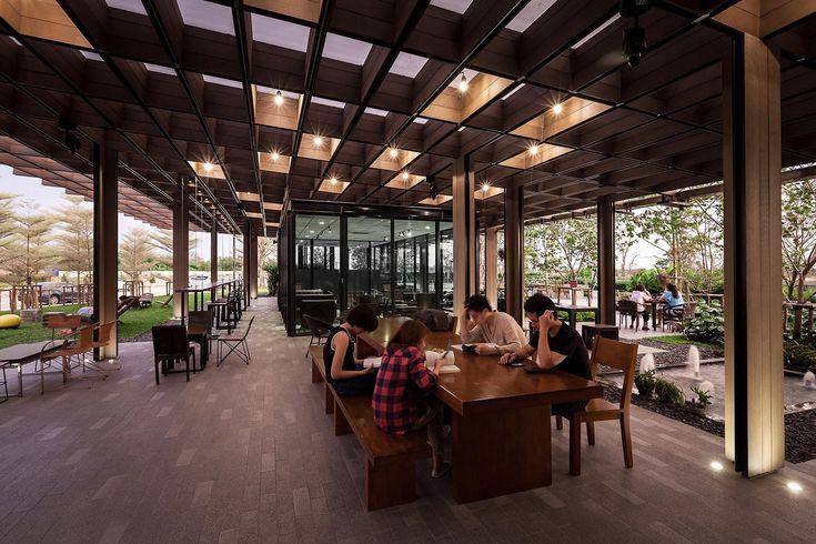Дизайн летнего кафе: терраса в окружении сада