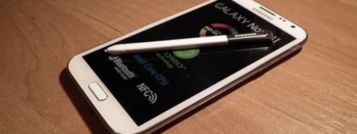 Smartfon smartfonowi nie równy, nie tylko ze względu na wielkość wyświetlacza. Jednak czy wielkość urządzenia mobilnego, w tym również phabletów oraz tabletów wpływa na sposób jego używania? http://www.spidersweb.pl/2013/04/rozmiar-smartfon-i-tablet.html