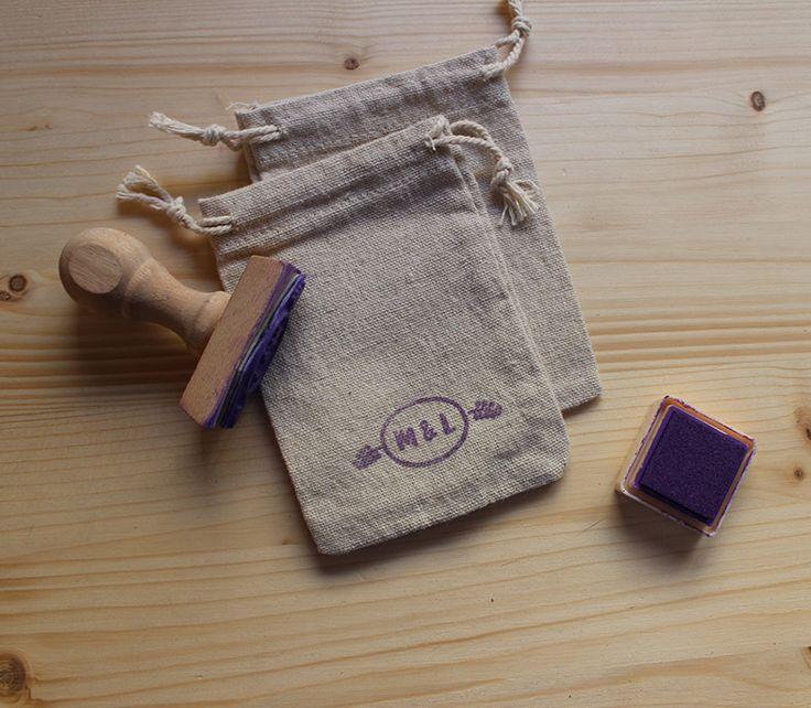 Bolsas de tela para regalo de invitados con sello personalizado