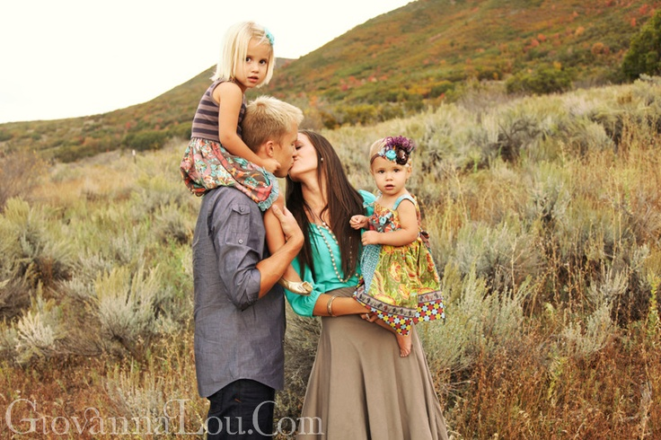 up the canyon.: Photography Digital Scrapbook, Photography Families, Family Photos, Families Photography, Clothing Colors