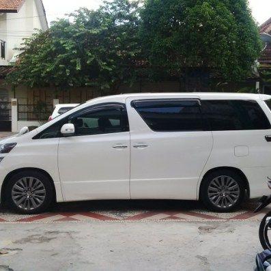 Sewa mobil Toyota New Alphard di Jogja paket harian lengkap dengan supir dan bahan bakar dengan harga sewa mulai Rp. 1,2 Jt di Mita Transport Yogyakarta ditujukan untukanda atau rekan andayangi…