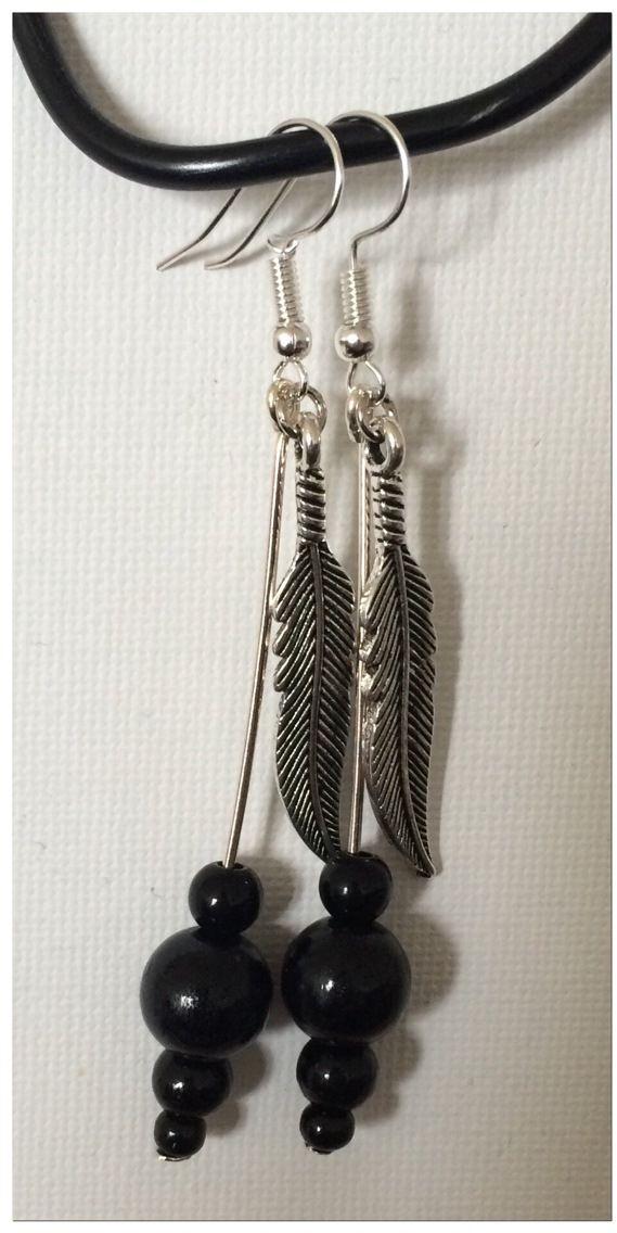 - Les BO plumes et leurs perles noires -