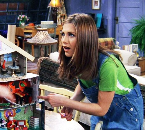 i am pretty sure Monica burned phoebe's doll house. PS: I Love Rachel's dungarees so much