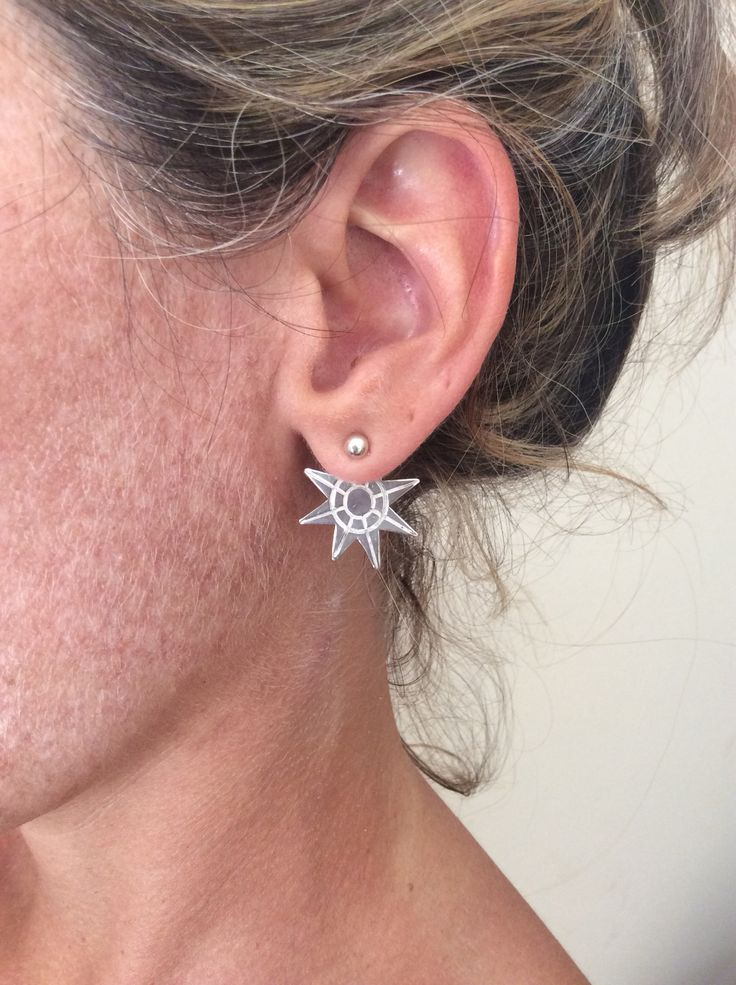 The Star earring, silver