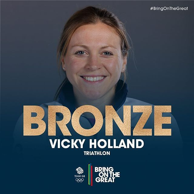 BRONZE MEDAL for Vicky Holland!!! Amazing work!! Gutsy performance from Non Stanford who was with her all the way 👏🏻👏🏻 #Triathlon #Rio2016 #BringOnTheGreat