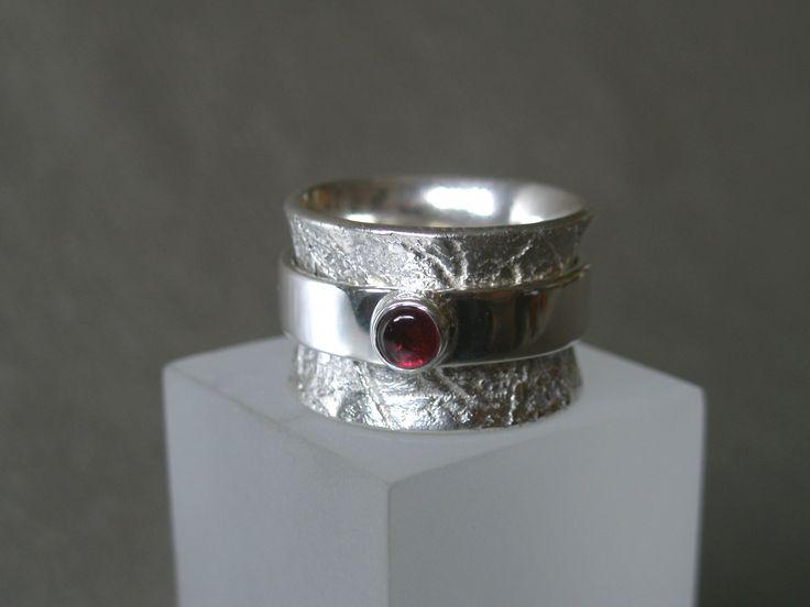 """Dos"" ring, silver Ag 950/1000, stone - garnet"