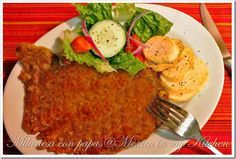 Milanesa con papas - Steak Milanese with fried potatoes = Comfort food at its best!  Click link to enjoy one of the top recipes on this website: www.mexicoinmykitchen.com
