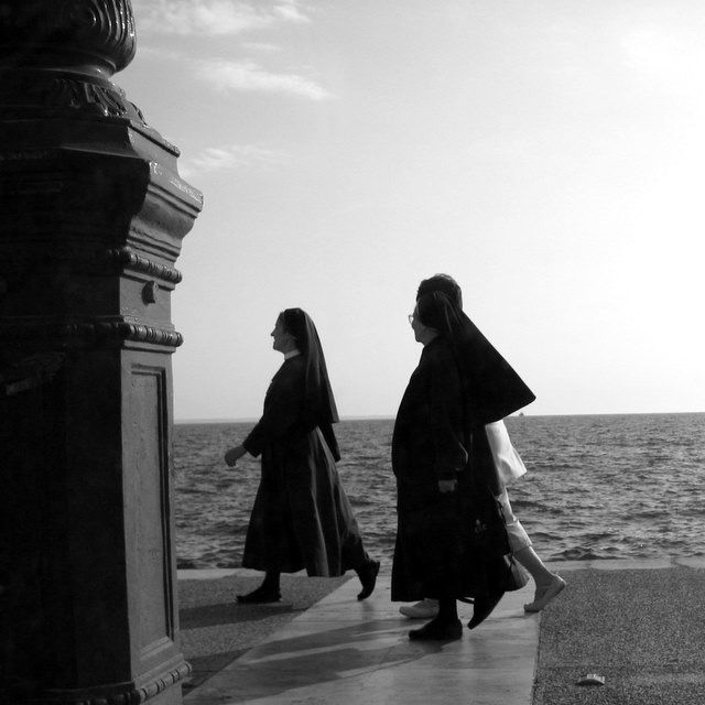 Promenade, Copyright © 2010 Amalia Raptopoulou (Greece), All rights reserved.