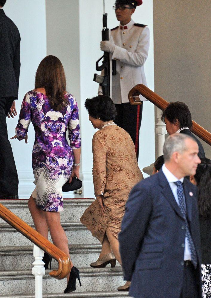 Kate Middleton Wears Daring Prabal Gurung Dress In Singapore, Admits To Outlet Shopping (PHOTOS)