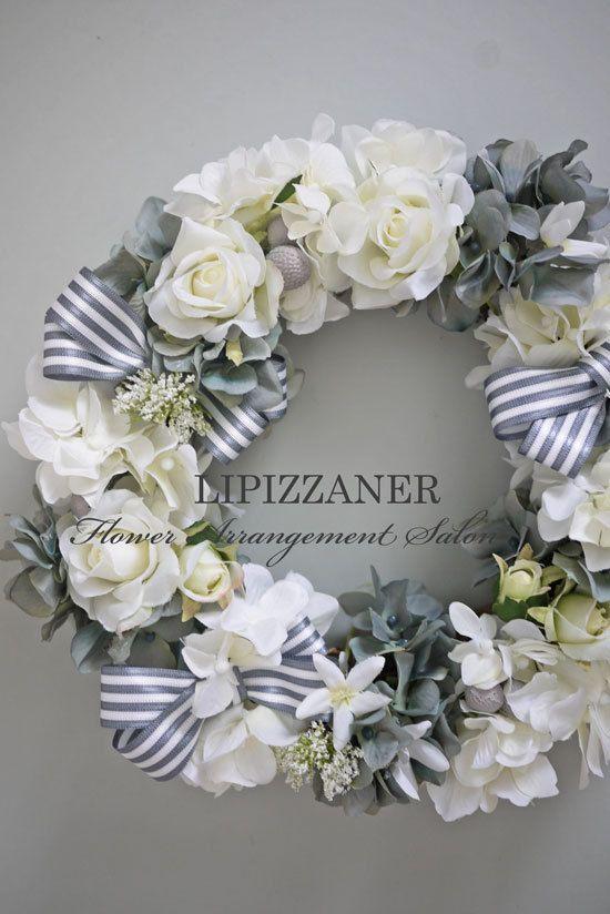 グレイ&ホワイトのリース   LIPIZZANER Flower Arrangement Salon