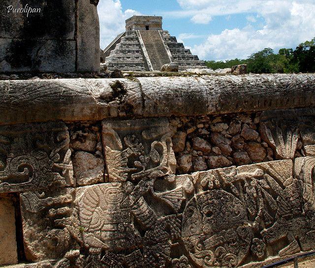 世界遺産 戦士のレリーフ 古代都市チチェン-イッツァの絶景写真画像  メキシコ