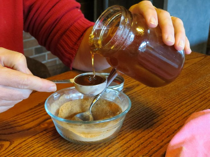 Make Your Own Chewable Vitamin C. Vitamin C is not manufactured by the body, but must be obtained nutritionally through foods or supplements. It is best to acquire vitamin C from whole food sources, instead of swallowing a pill that may contain artificial colors, sweeteners and flavors.  You can get your doses of vitamin C with these easy-to-make chewables.