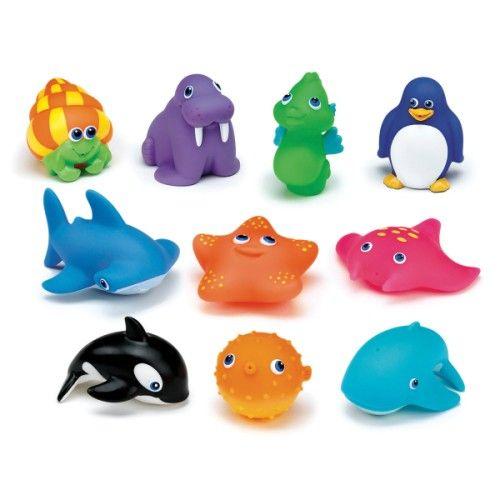 Souples et colorés, ces aspergeurs ont la taille idéale pour que votre bébé puisse les tenir dans la main. Appuyez sur l'animal et l'eau gicle ! Grâce aux joyeuses parties d'éclaboussures, votre enfant s'habituera au contact de l'eau. Ces 10 joyeux animaux marins deviendront les compagnons idéaux à l'heure du bain.