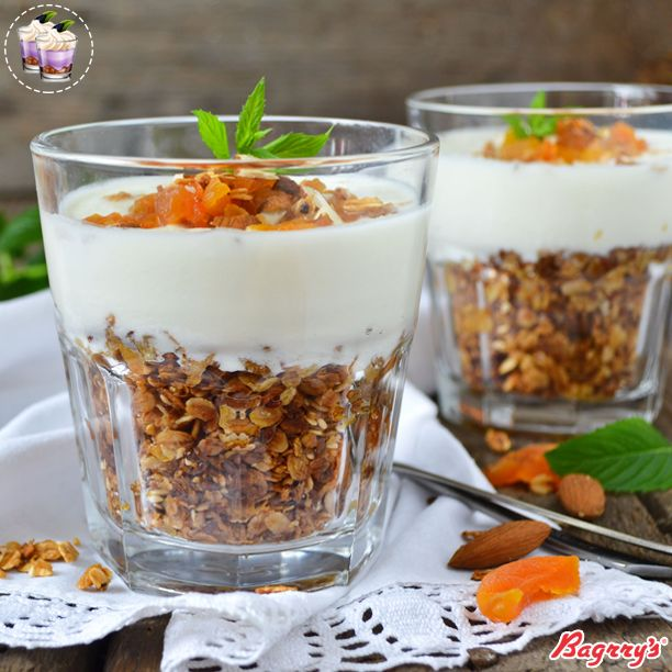 Get your share of healthy & delicious vanilla muesli parfait. This guilt-free high fibre dessert will brighten up your Monday. Don't think twice. Just dig in! #FoodInspiration #Muesli #Desserts #Bagrrys #Healthy