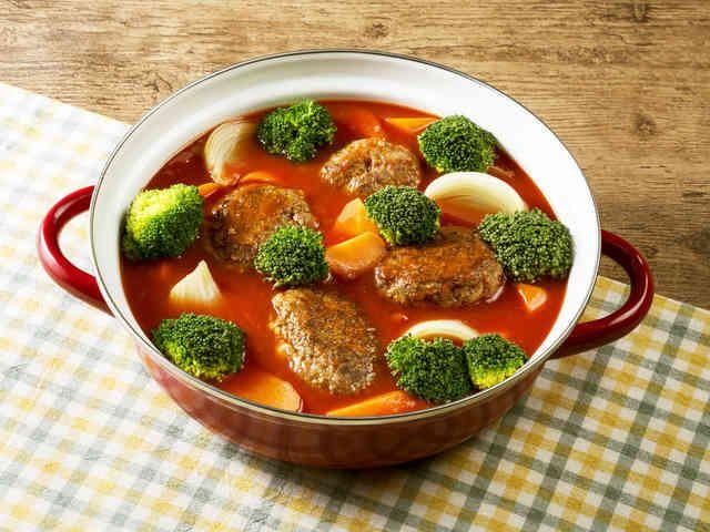 お鍋で時短!トマトハンバーグ鍋の画像