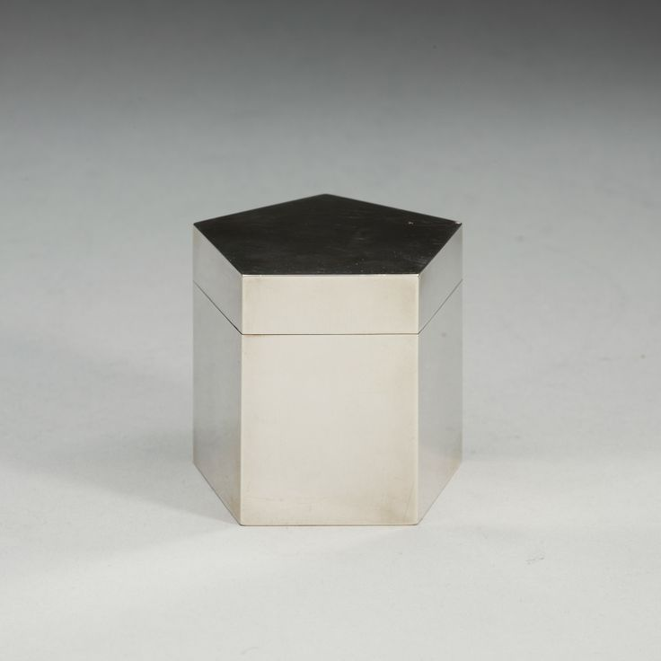Wiwen Nilsson; Sterling Silver Lidded Box for Lund, 1952.