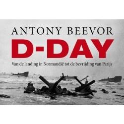 'Een van de beste historici van dit moment, die ook al het briljante Stalingrad schreef. Je denkt dat je eigenlijk alles al weet over D-Day, al is het maar omdat je de film The Longest Day al tien keer op tv hebt gezien. Vergeet het maar... Beevor vertelt het echte verhaal, dus ook hoe de overwinning van de geallieerden nog aan een zijden draadje hing...'