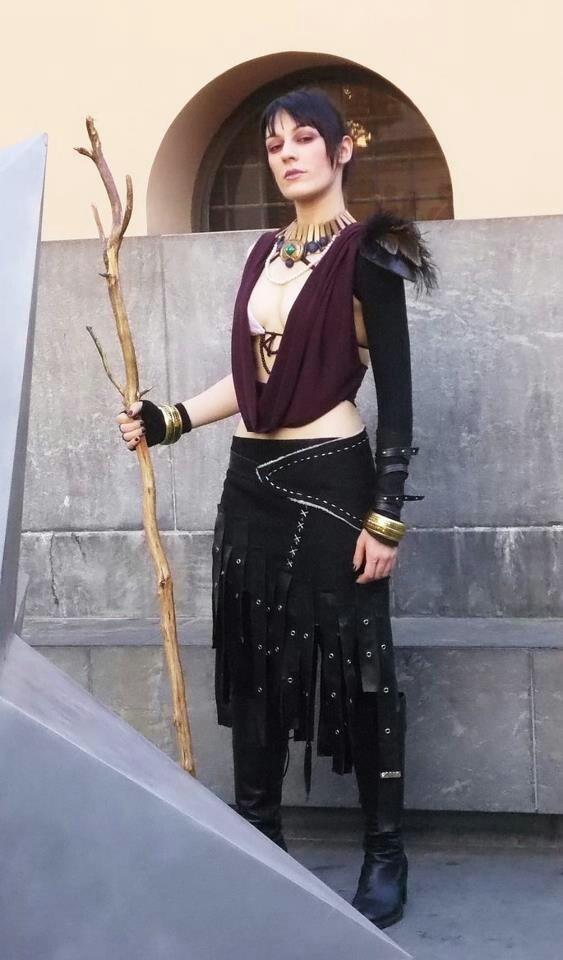 Dragon Age Morrigan cosplay babe