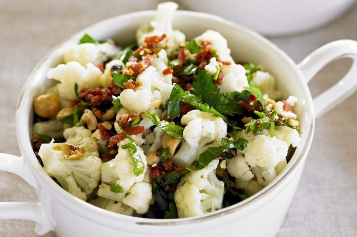 Cauliflower+is+the+unlikely+star+of+this+delicious+salad+of+contrasting+textures.