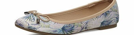 Dorothy Perkins Womens Printed round toe flat pumps- Multi Pastel multi coloured palm print satin round toe flat pumps with nude bow. 100% Textile. http://www.comparestoreprices.co.uk/womens-shoes/dorothy-perkins-womens-printed-round-toe-flat-pumps-multi.asp