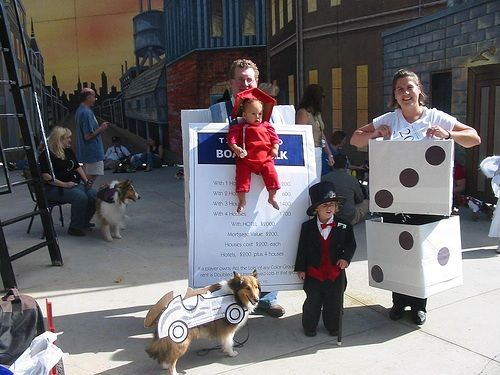 This family is awesome! Monopoly.: Halloween Costumes, Monopoly Costumes, Fabulous Families, Families Costumes, 15 Families, Monopoly Families, Costumes Ideas, Monopoly Halloween, Birthday Ideas
