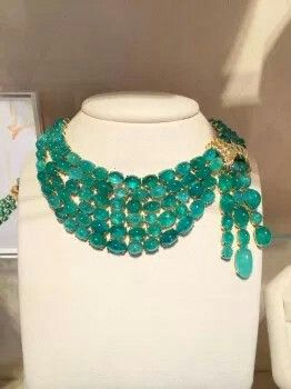 Amazing emerald necklace by Verdura