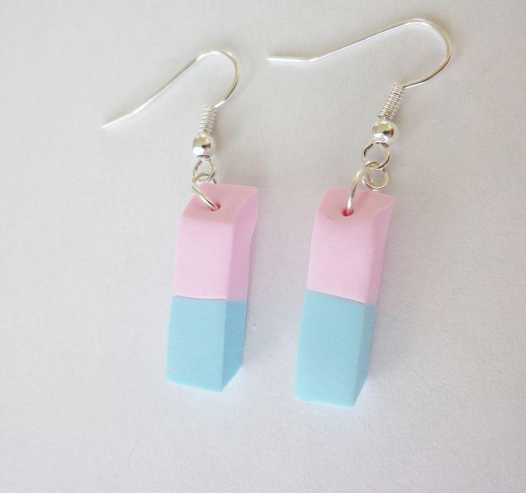 boucles gomme bleu et rose de notre enfance idée cadeau maitresse ecole fimo : Boucles d'oreille par fimo-relie