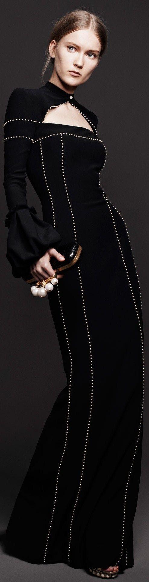 Christian Dior  - neck and shoulder construction! contrasted beadings....könnten auch zipper teeth sein/wandelhaus16