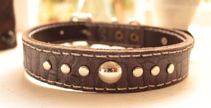 Collares de Cuero Exclusivos hechos a mano para perros. ¡Visita nuestra página!