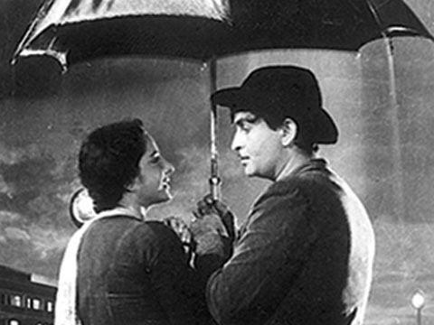 Pyar Hua Ikarar Hua - Raj Kapoor & Nargis - Shri 420 - - Manna Dey & Lata