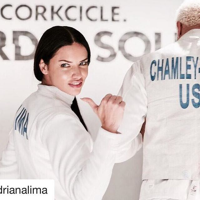 #Repost @adrianalima   Thank you for my fencing lesson @mchamleywatson @corkcicle....see you in 2020 #swordandsound #corkciclepartner ⚔️⚔️