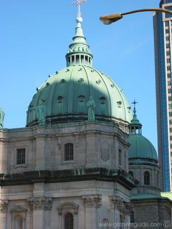 Image issue du site Web http://www.gothereguide.com/Images/Canada/Montreal/Cathedrale_Marie-Reine-du-Monde_Montreal2.jpg