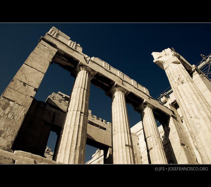 Nikon D80 + 18-135mm f/3.5-5.6G | Acropolis, Greece, 6 Oct 2007 © 2007 José Francisco Salgado, PhD