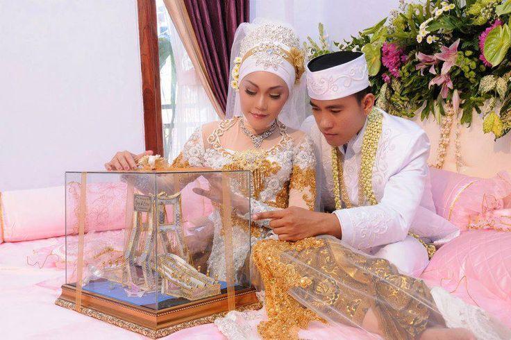Souvenir Pernikahan Surabaya   Undangan Pernikahan Surabaya   Mahar Pernikahan   Seserahan Pernikahan   Anaria Wedding