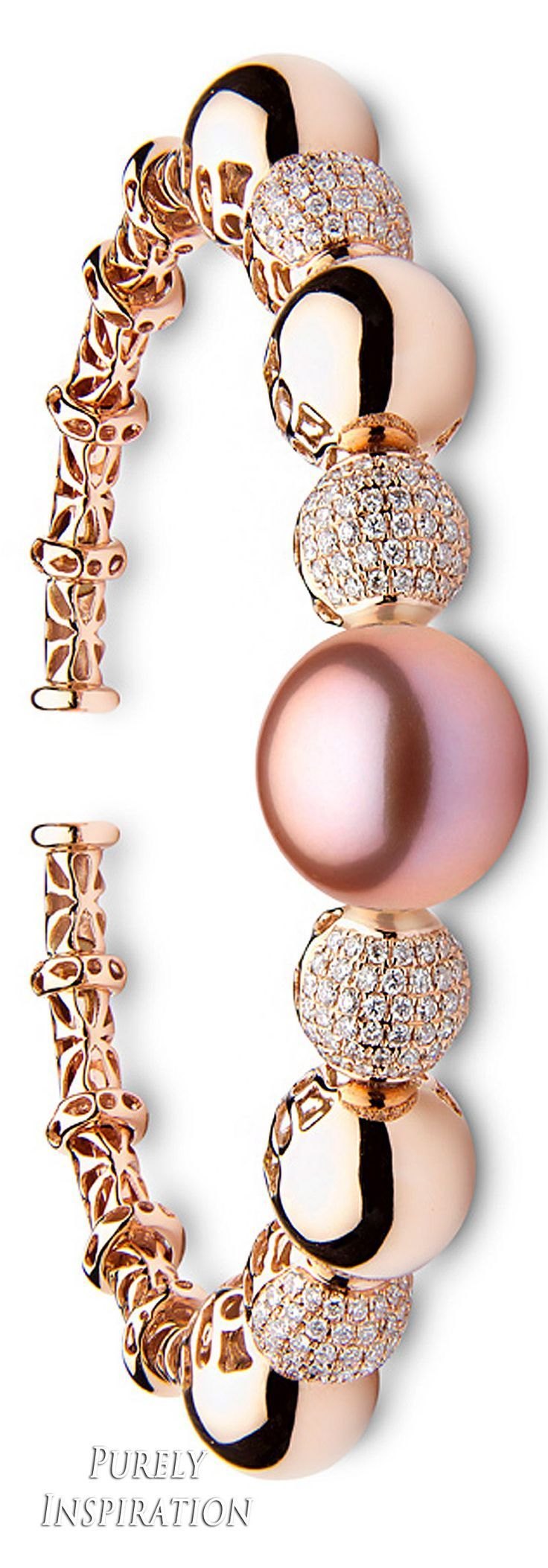 Yoko London Aurelia Bracelet 18k gold, diamonds, golden south sea pearls | Purely Inspiration