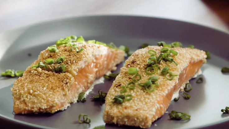 Whether It's Farmed or Wild, Here's How to Cook Your Salmon Right - If you overcooked your pan-seared salmon, you may be tempted to blame it on the type of salmon you bought, but none of that matters if you understand the chemistry of how this colorful fish cooks.