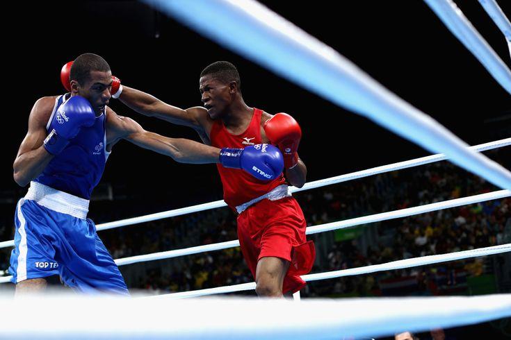 Le boxeur français Hassam Amziule contre le boxeur namibien Jonas Jonas. | Voici…