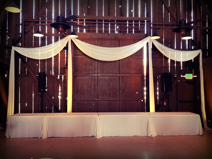 wedding head table, barn wedding, Camarillo Ranch, https://partypleasersblog.wordpress.com, http://instagram.com/partypleasers,