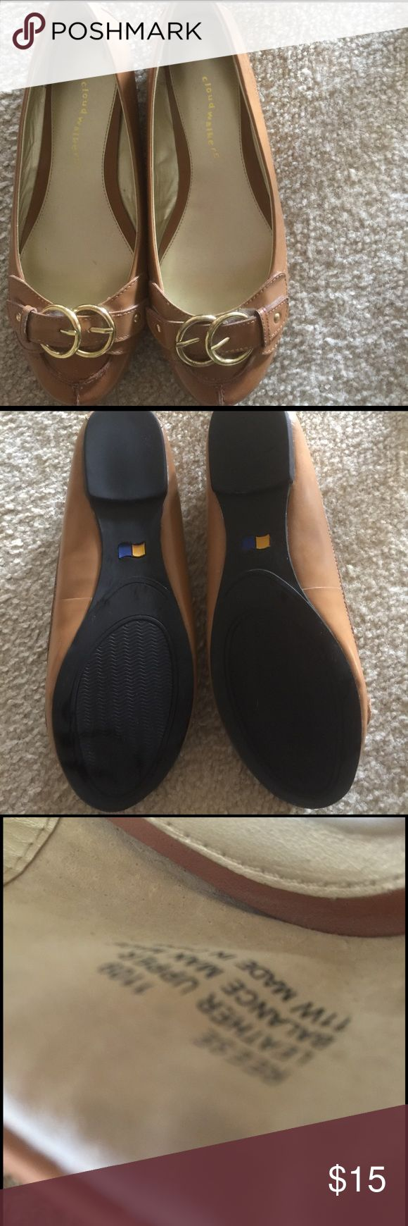 Women's wide flats Avenue tan  flats w gold tone buckle. Round toe. Never worn. Shoes are Wide fit 11W cloudwalkers Shoes Flats & Loafers