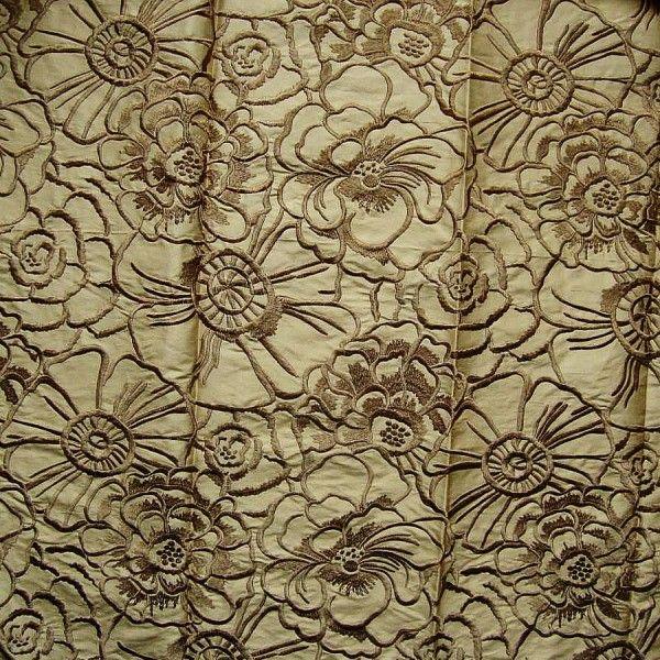 Draperi cu Flori Decorative in Relief Brodate Cantante