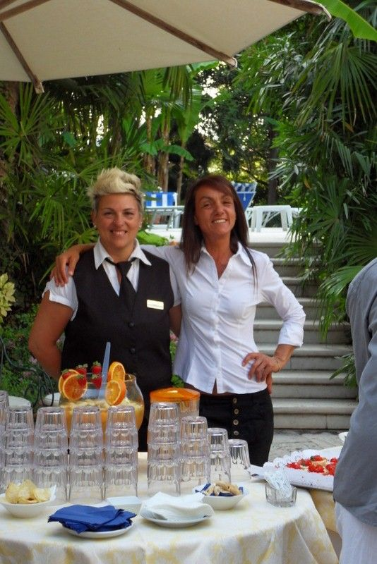 These are Monica and Carmen, our lovely #bartendes ready for the #happyhour in the #garden: great #cocktails and #fingerfood served directly in the #garden, near the #pool ;)