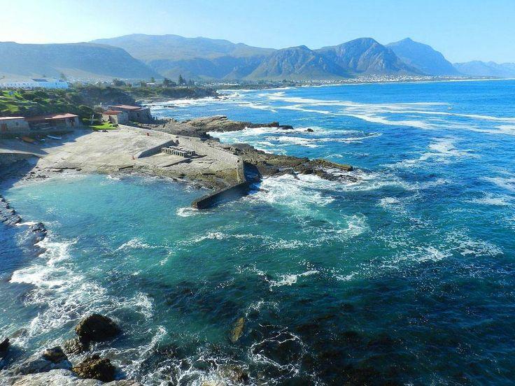 A-view-of-Hermanus,-South-Africa.jpg 1,000×750 pixels