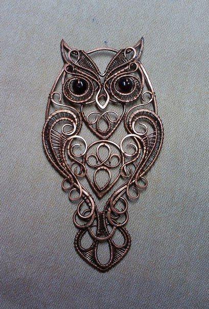 Сова)) красавица сова с гранатовыми глазами. Эта штука есть кулон, еще осталось только шнурок к ней сделать) <br>Кому письмо из Хогвартса?
