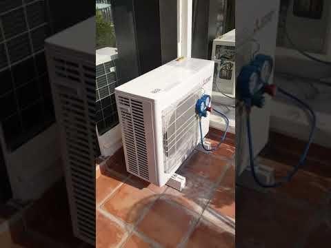 Mise en service de 3 climatiseurs MITSUBISHI ELECTRIC MSZ-SF sur unité extérieure MXZ-3E68. Aprés test de fuite sous azote et tirage au vide, ouverture des vannes pour faire entrer le fluide frigorigene dans l'installation.  #roquebrune #chaleur #climatisation #clim #plomberie #plombier #chaud #canicule #famille #menton #monaco #frigoriste #froid #design #travail #travaux #climatiseur #rénovation #artisanat #artisan #mitsubishielectric #ratto #appartement #salon #chambre #bureau #villa #luxe