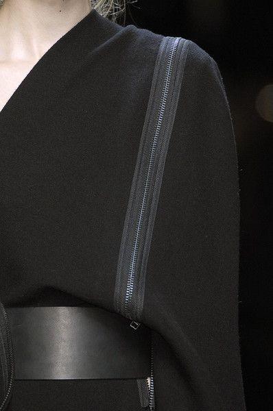 5.12.15 One shoulder dress with zipper trim; chic fashion details // Haider…