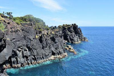 O mar e a costa na ilha de S. Jorge - Açores