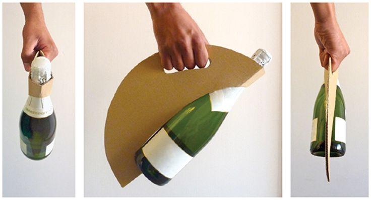 Дизайнер Valença Castells подготовила проект картонной упаковки длябутылки вина (игристого илишампанского). Упаковка изготовлена изтрехслойного гофрокартона ввиде круга илидиска стремя отверстиями: издвух складывается ручка, авовторое вставляется бутылка, иподходит она только длябутылок шампанских иигристых вин, имеющих надне характерную параболическую впадину вкоторую вставляется нижняя часть упаковки.  http://am.antech.ru/T3EC